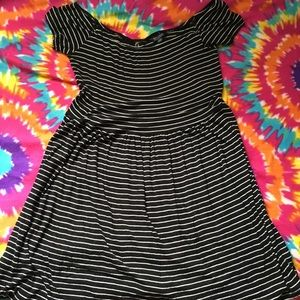 American Eagle Outfitters Dresses - American eagle short and sexy mid dress